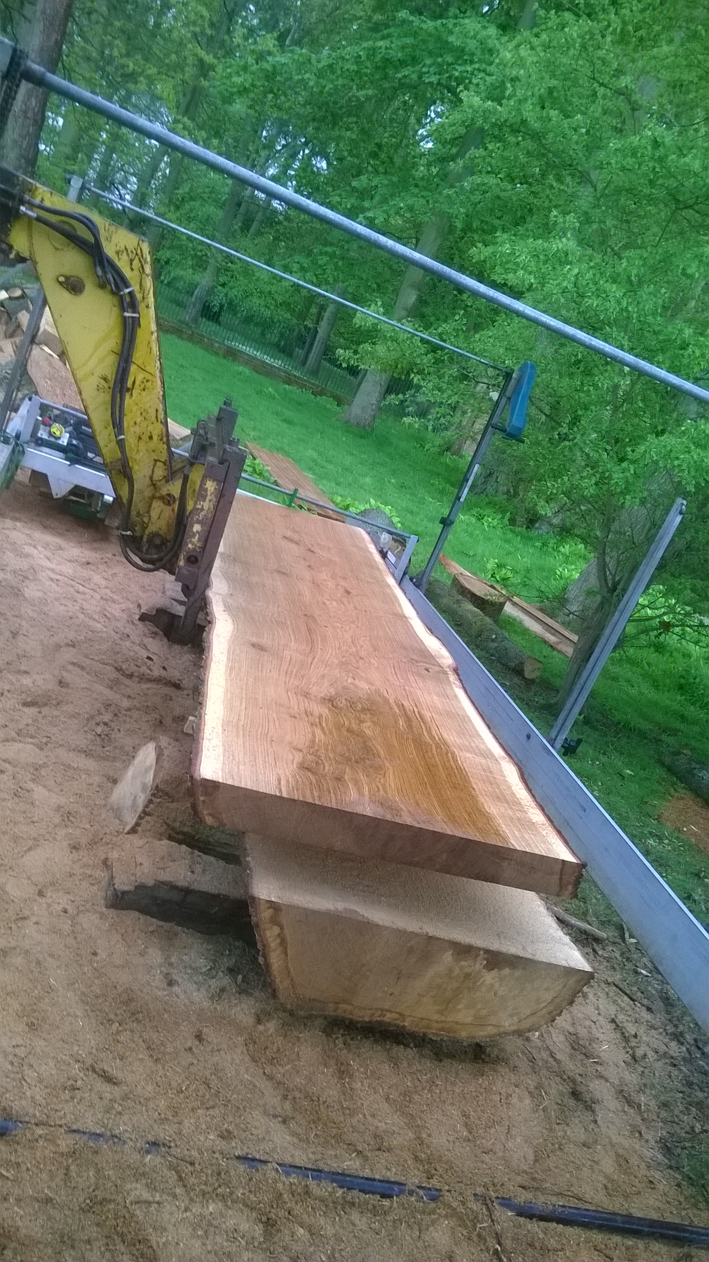 Oak plank lift